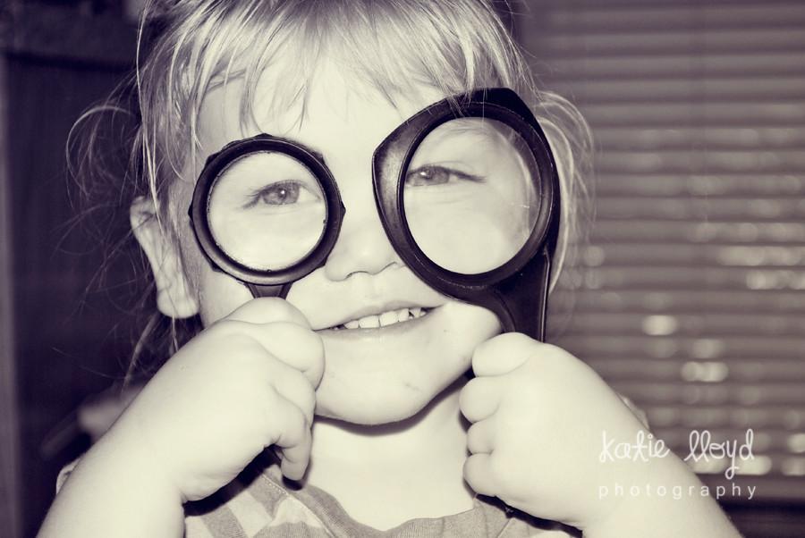 rowan-mag-glasses