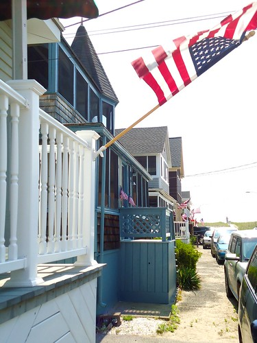 beach cottages flying stars and stripes