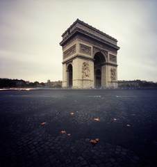 Au centre de partout (Zeb Andrews) Tags: paris france film square europe pinhole arcdetriomphe oldworld zeroimage2000 bluemooncamera