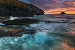 Trebarwith sunset (snowyturner) Tags: cliffs wave sunset rocks cornwall sky landscape