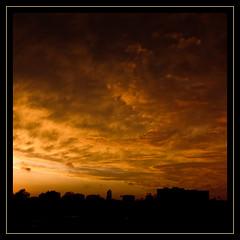 Frame around distant drama (Magic Theatre [OFF}) Tags: sunset sky fire tramonto himmel cielo frame ram drama fuoco cornice solnedgång eld dramma