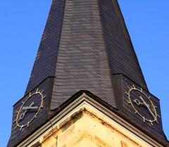 (:Linda:) Tags: two clock germany bayern bavaria town franconia clocktower franken spitz zeit uhr oberfranken schiefer glockenturm marktzeuln peakish slateshingled