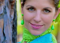 LA LUZ DE SU MIRADA ... (marthinotf) Tags: exterior retrato modelo ojos cris mirada bellezafemenina retratofemenino olétusfotos labellezaatrapada rocíoenvalladolid