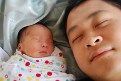 Isaac and Alpha asleep - SP (avlxyz) Tags: fatherandson likefatherlikeson
