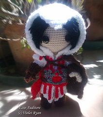 000 (violet ryan) Tags: doll crochet amigurumi creed ezio assassins auditore sackboy