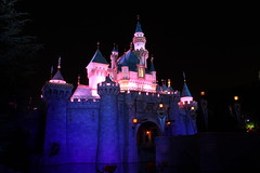 Sleeping Beauty Castle at Night, Disneyland in California (Mastery of Maps) Tags: california lighting ca castle night disneyland icon disney resort socal nightime southerncalifornia orangecounty anaheim oc dl dlr themepark sleepingbeautycastle disneylandresort ambiant