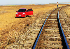 Middle of Nowhere (osvaldoeaf) Tags: brazil people car brasil train landscape women track desert nowhere middle goinia gois