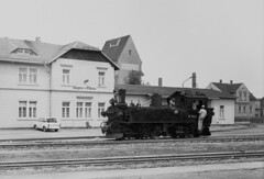 99 1542-2 at Mugeln, note the Trabant in the background (RhinopeteT) Tags: germany railway steam east oschatzmugeln
