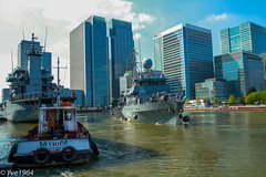 German Minesweepers in London (yve1964) Tags: london water thames canon river germany boat ships german 7d tug battleship canarywharf riverthames warship devious minesweeper policeboat westferryquay westferrydock
