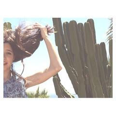 (Vallelitoral) Tags: old summer cactus woman naturaleza holiday plant cute planta nature girl beautiful beauty vintage hair nice andalucía spain retro vacaciones pelo tarifa brazo flickraward vsco vscofilm vscocam