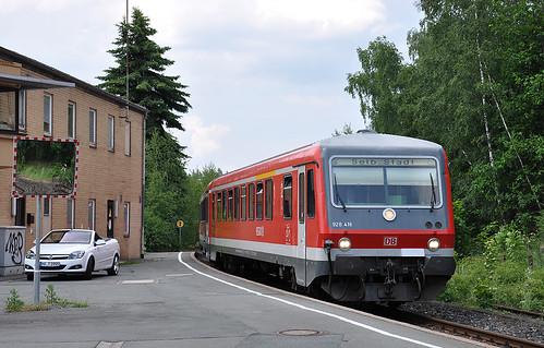 928 416 erreicht den Keilbahnhof Oberkotzau.