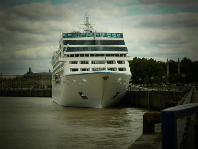Insignia Oceania Cruise - Bordeaux - P6070040