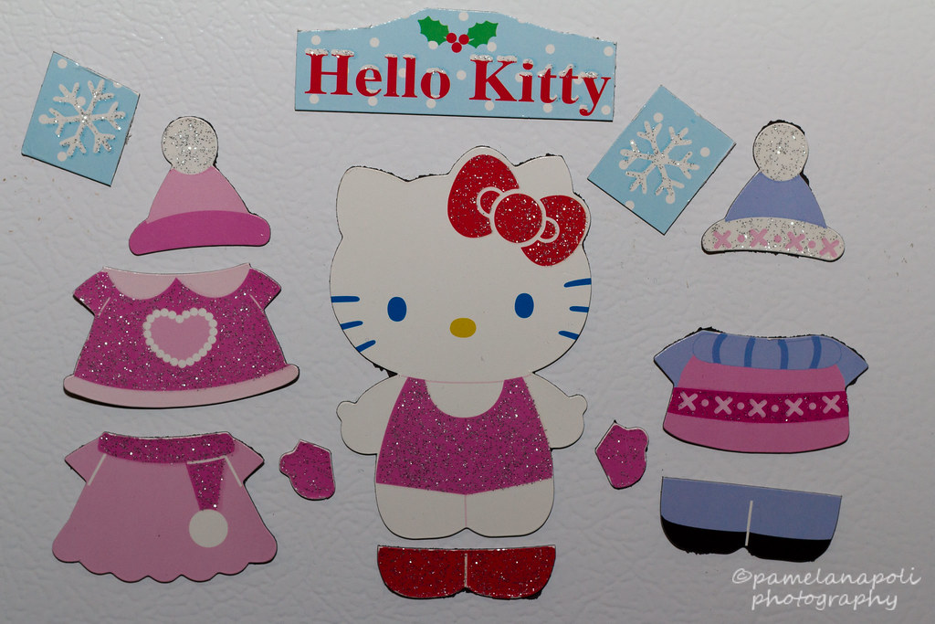 Hello Kitty Dress-Up-Doll Magnets