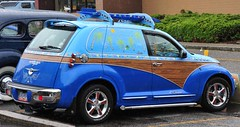2001  PT Cruiser custom (D70) Tags: show bear 2001 canada sedan pub surf pin shine bc board great burnaby customized annual pt custom fourth cruiser aloha kingsway 4dr striping 2dr 5665