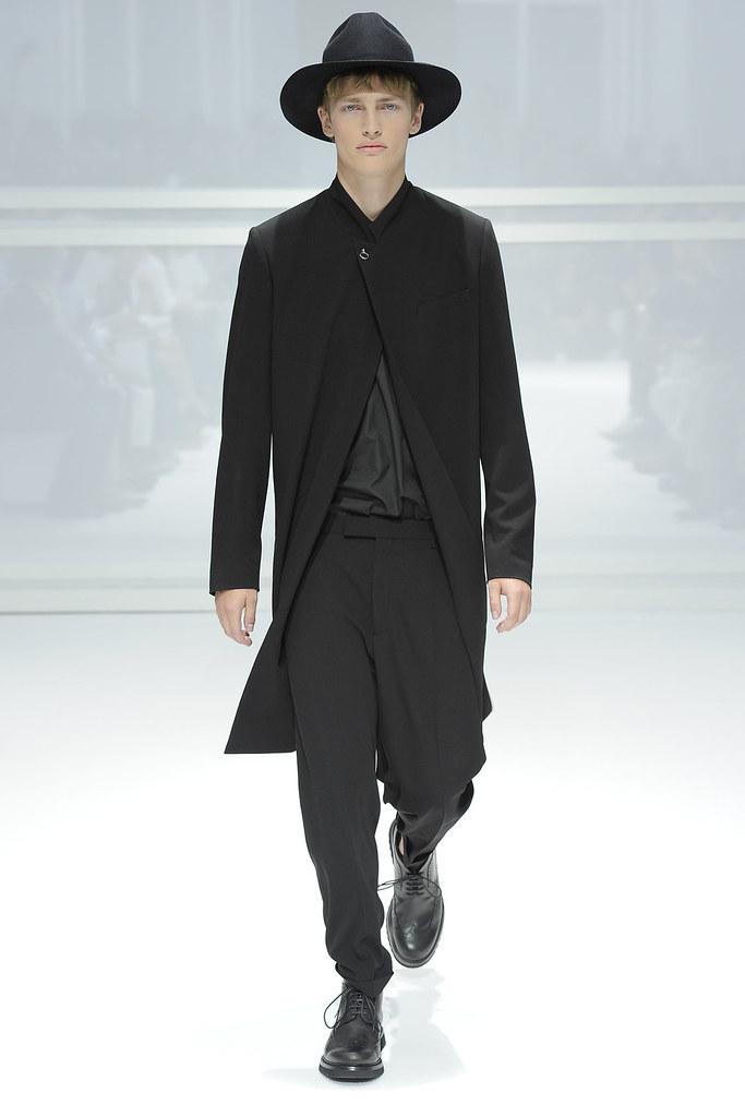 SS12 Paris Dior Homme043_Victor Nylander(VOGUEcom)