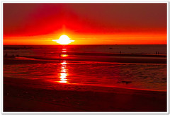 SDIM4893 (傑夫 or Jeff) Tags: ocean voyage bridge blue sunset sea sky art ex nature water colors night clouds buildings real coast dc twilight place shot dusk taiwan sigma explore 夕陽 taipei 台灣 台北 1020mm 雲 discovery 自然 夜景 seeking scenes 太陽 海岸 淡水 風景 nightfall afterglow 水 foveon landscap 大自然 x3 落日 夕照 海洋 雲彩 glimmering 18200mm 藝術 色彩 餘暉 f456 hsm sd15 晨昏 微光 薄暮 傑夫 適馬