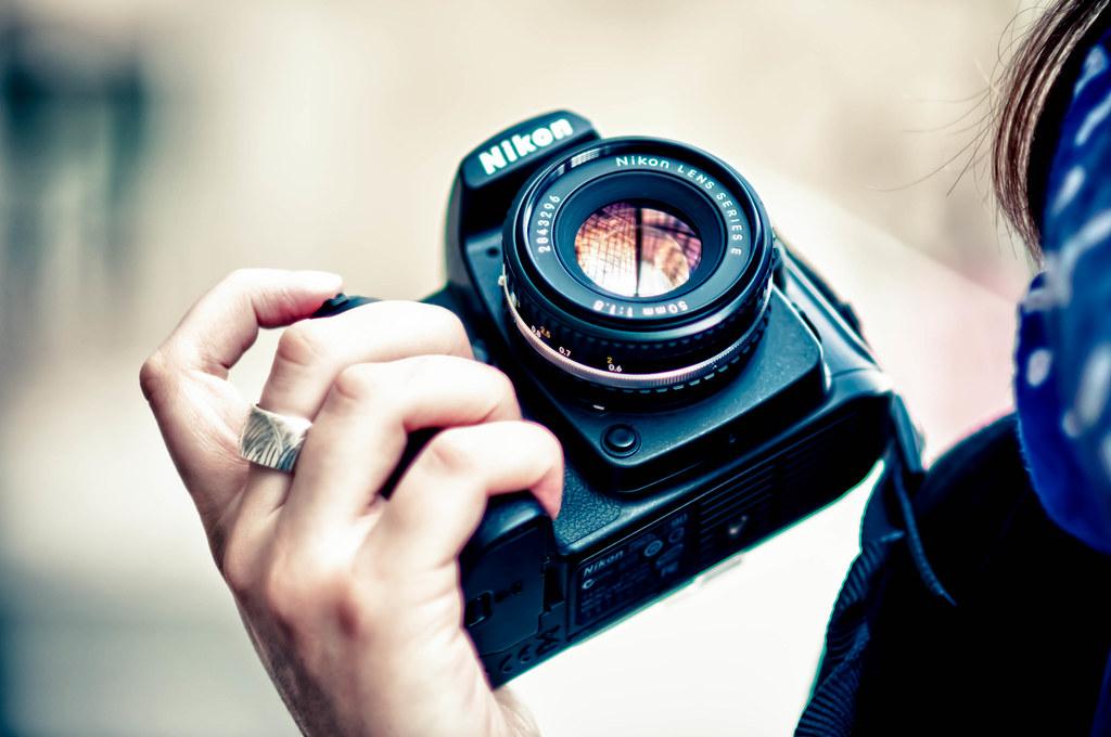 Nikon Hands
