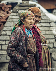 (36) (Paritoshx) Tags: woman india hills manali hillstation himachalpradesh carlzeiss sal1635z sonya77 sal55300