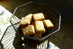 Ein Pltzchen an der Sonne (cure di marmo) Tags: food sweet cookie biscuit shortbread pltzchen sonnig sunny