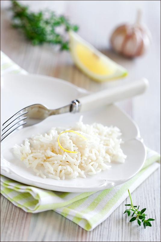 Rice with lemon, garlic and thyme (Multi-Cooker)