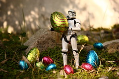 Happy Easter ! (Stfan) Tags: garden easter actionfigure starwars chocolate stormtroopers egg stormtrooper geekdadpower