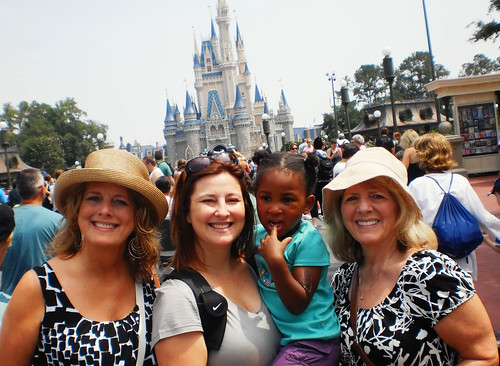 Magic Kingdom with Lulew, Mommy, and Koo-Koo