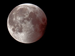 2011 A Space Moon Eclipse! (Strlicfurln) Tags: moon eclipse luna eclissi flickraward flickraward5