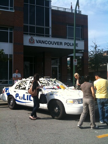 "The @VancouverPD car filled with ""thank you"" notes is now at 2nd & Cambie"