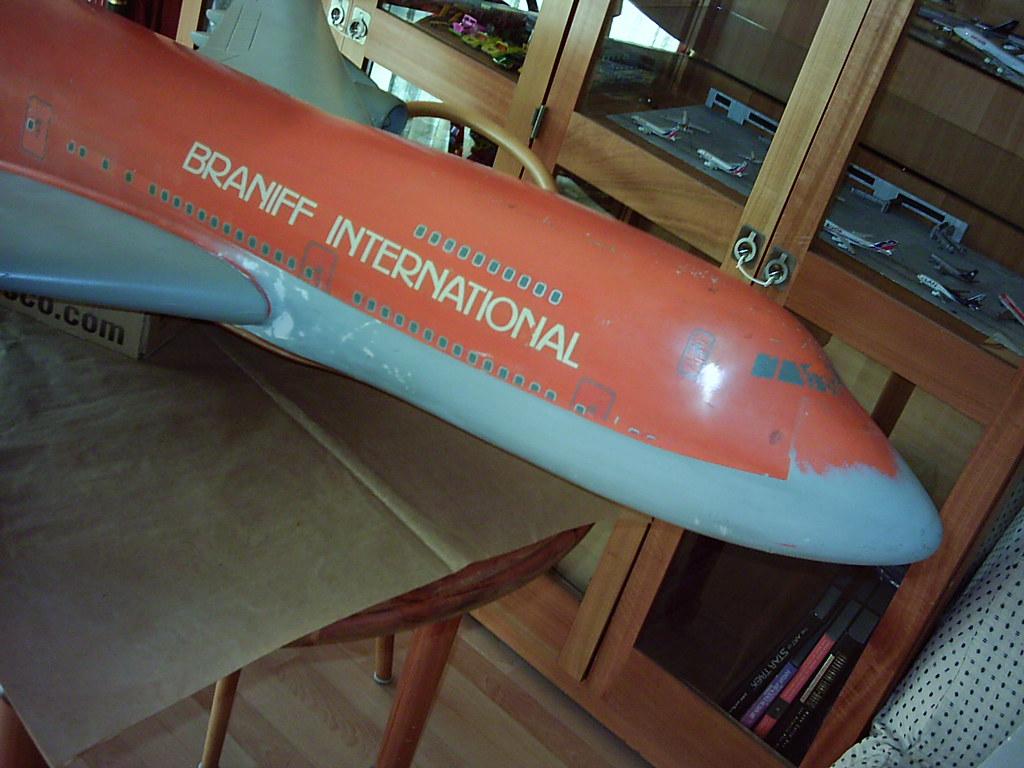 El más grande de mis aviones 5877674839_cc8e1cfe7f_b