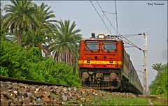 Bhubaneshwar Rajdhani!! (Raj Kumar (The Rail Enthusiast)) Tags: india industry express kashmir kolkata raj ganga puri bhel kumar bihar howrah jharkhand patna bhubaneshwar 22314 dhanbad sealdah jhansi rajdhaniexpress orrisa 22722 22750 24517 30279 ndls bhaga damodar wap4 wag7 wap7 neelanchal patherdih jammutavi