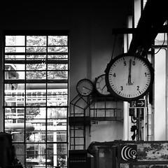 0:03 Uhr (Rainer ) Tags: light shadow bw industry lines geometry bn sw industrie ruhrgebiet dortmund ruhrpott kokereihansa ruhrdistrict maschinenhalle industryarchitecture rainer 2801050mmf3545
