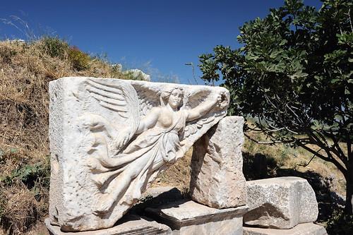 Athena victorieuse à Ephèse