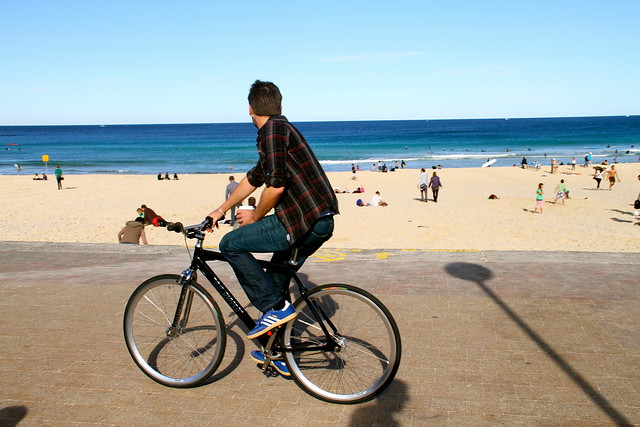 bondi boys on bikes 6659