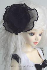 Barette avec fleur en résille noir (Plume Blanche Créations) Tags: doll skirt bjd bas msd unoa lusis jupes sotckings plumeblanchecréations