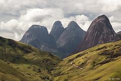 Vale dos Frades (Waldyr Neto) Tags: mountains montanhas teresópolis morrodoscabritos valedosfrades trêspicos parqueestadualdostrêspicos petp waldyrneto