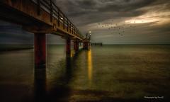Zingst - Die Seebrücke - Seabridge (Pana53) Tags: abend nikon wolken ostsee schatten vorpommern zingst bodden mecklenburgvorpommern glanz halbinsel dars lichtschatten bewölkung lichtschein mcpomm boddenlandschaft nikond800 fischlanddars seeheilbad pana53 vorpommernrügen photographedbypana53 mcpommtutgut