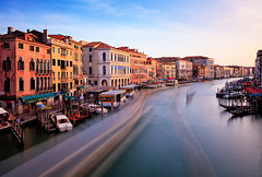 Italy - Venice: Traffic (John & Tina Reid) Tags: venice italy travelphotography italianstyle johnreid thegrandcanal tinareid wwwnomadicvisioncom venitianarchitecture watertrafficinvenice italianattraction