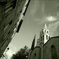 Mirando al Cielo (m@®©ãǿ►ðȅtǭǹȁðǿr◄©) Tags: bw france canon model avignon palaisdespapes mirandoalcielo aviñón palaciodelospapas canoneos400ddigital m®©ãǿ►ðȅtǭǹȁðǿr◄© sigma10÷20mmexdc marcovianna