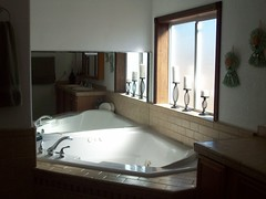 Masterbath 3 (SunshineRanchRentals) Tags: show vacation arizona white mountains low rental az