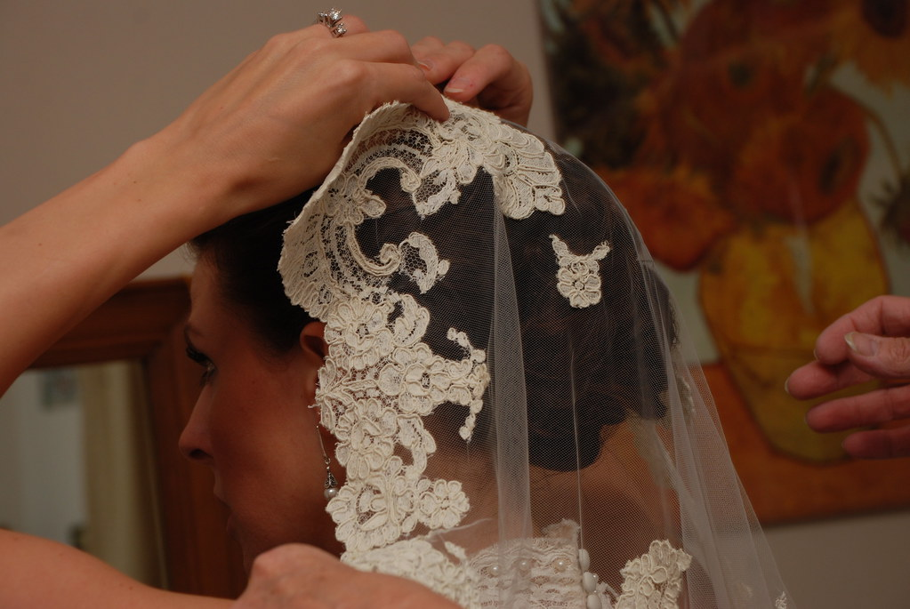 pinning the veil in