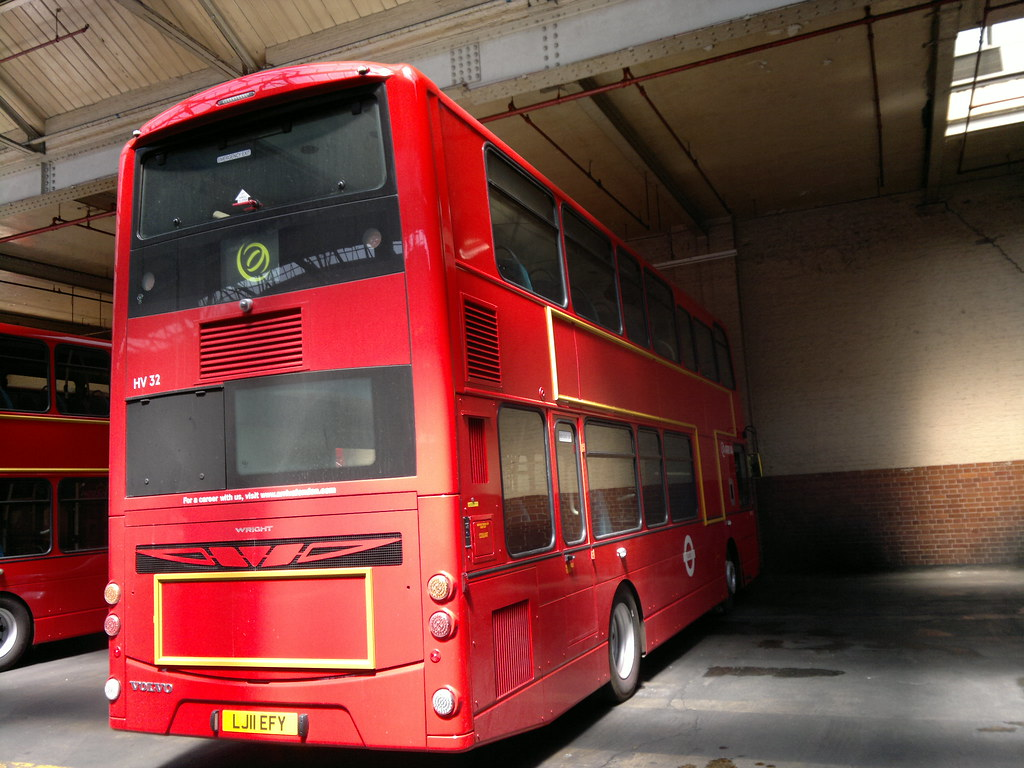 The Circle of London : Arriva London Stamford Hill Garage [SF]...New HVs for the 73