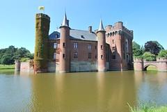 Castle of Wijnendale - sideview (Jessie Sparrow) Tags: castle windmill belgium belgi windmills matthieu flanders kasteel windmolen torhout vlaanderen burcht windmolens waterburcht wijnendale