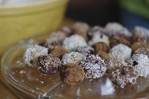 No Bake Chocolate Chip Cashew Cookies