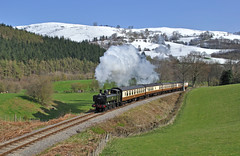 april snow (midcheshireman) Tags: wales train steam locomotive llangollen greatwestern 6430 64xx