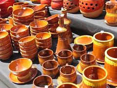Cosas sencillas y tradicionales en la Feria de Alfarería (Micheo) Tags: alfarería cerámica pottery colores colours granada spain clay barro torno alfarero