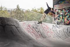 Gian, bs smithgrind (Fabio Stoll) Tags: bs smithgrind bern oldtown skateboarding skate skatephotography skateboard slide sony alpha 99 zeiss 85mm f14 godox ad360 switzerland ajvt metz flash bowl pixelkingtriggers reitschule