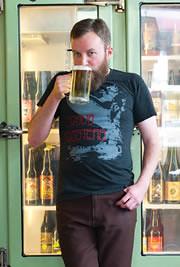 Tyler Vickers - Original Beertender