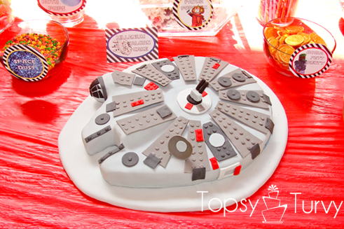 lego-star-wars-birthday-party-millennium-falcon-carved-fondant-cake