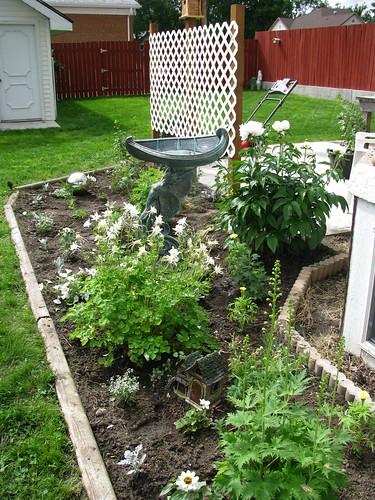 Moon Garden Side