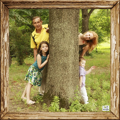 ... (MissSmile) Tags: family light cute green children treasure natural framed joy memories dream together frame misssmile
